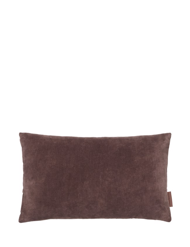 Image of   Aflang Velour Pude Soft Small 30x50cm - Raisin fra Cozy Living