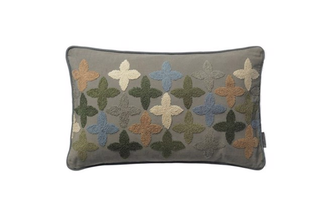 Image of   Cotton Four-Clover Happiness pude i farven army fra Cozy Living