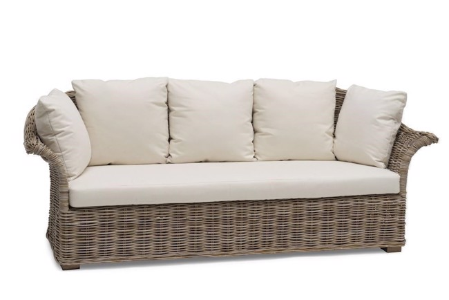 Image of   Edsklinta sofa i naturrattan med råhvide hynder fra Hillerstorp