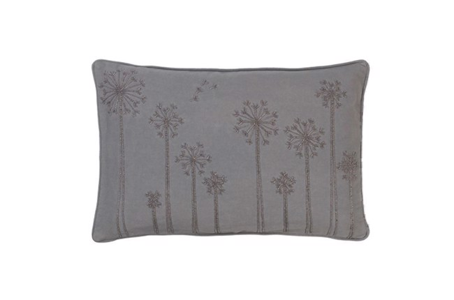 Image of   Embroidered Dandelion bead pude 30x50 cm i farven Mud fra Cozy Living