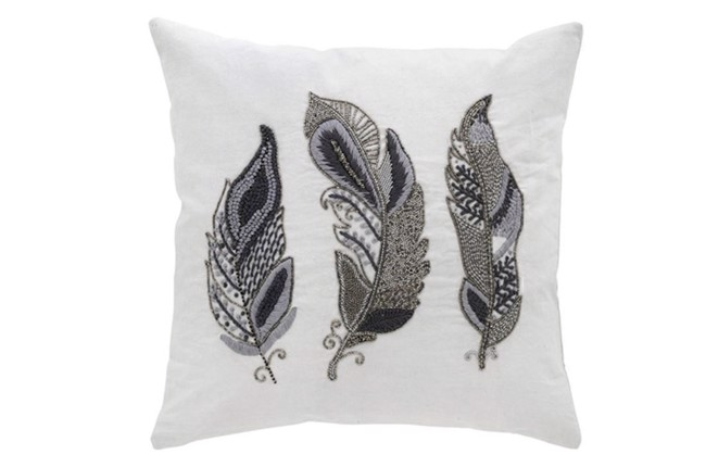 Image of   Embroidered feather pude 50x50 cm i farven platin antik silver fra Cozy Living