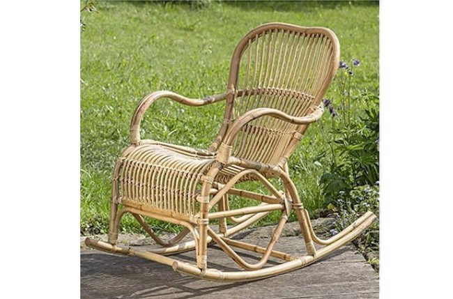 Image of   Rocio gyngestol i natur rattan fra Boltze Home Collection