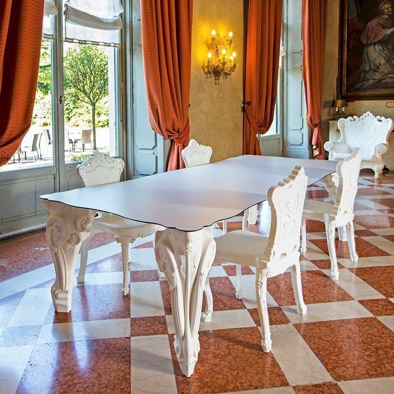 Spisebord med lys